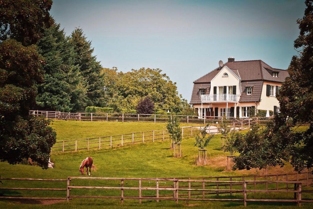 modern-ranch-farmhouse