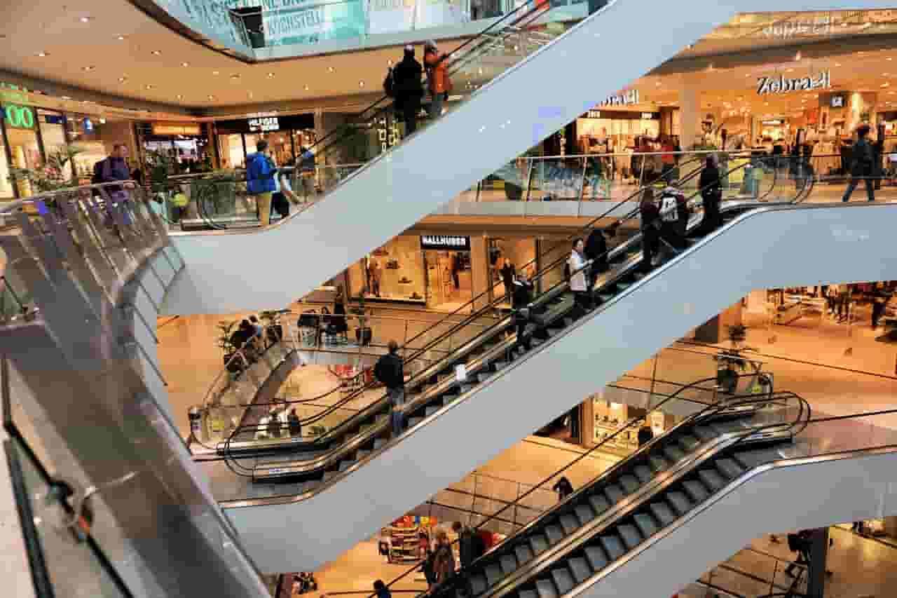 Airport Green Garden Shopping Mall