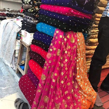 Gulberg Rabi Center Cloth Market