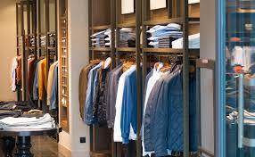 Gulberg Rabi Center Garments Market